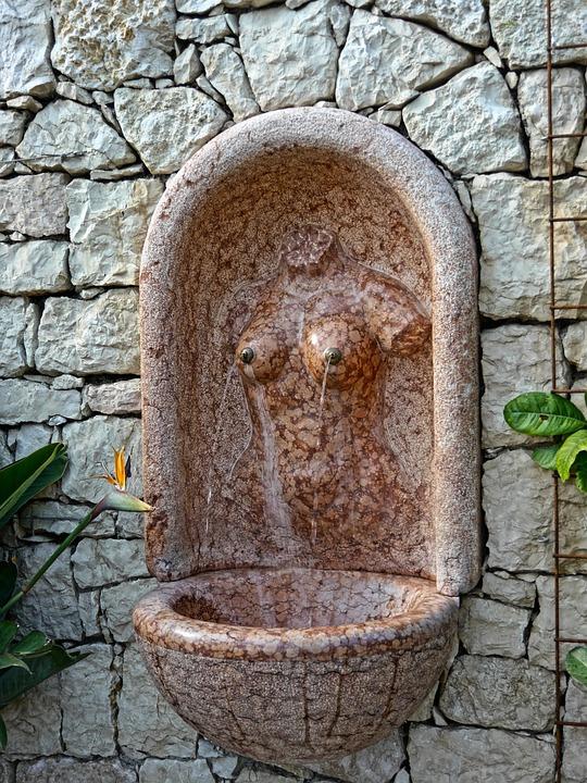 Meran Trauttmansdorff, Fountain, Woman Body