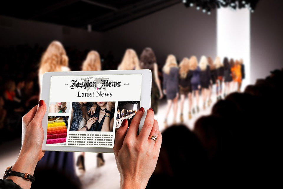 Fashion, Catwalk, Woman, Tablet, News, Information