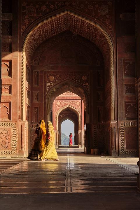 Agra, Kau Ban Mosque, Morning, Woman, People, Dresses