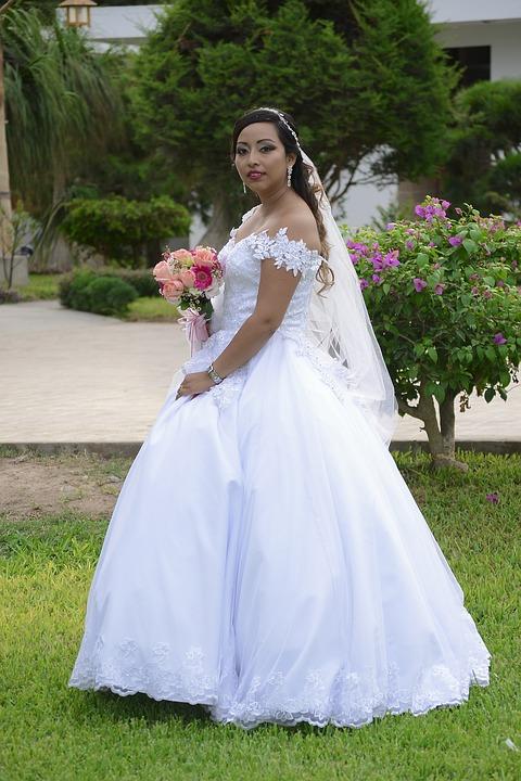 Free photo Women Flowers Wedding Marriage Church Veil House - Max Pixel