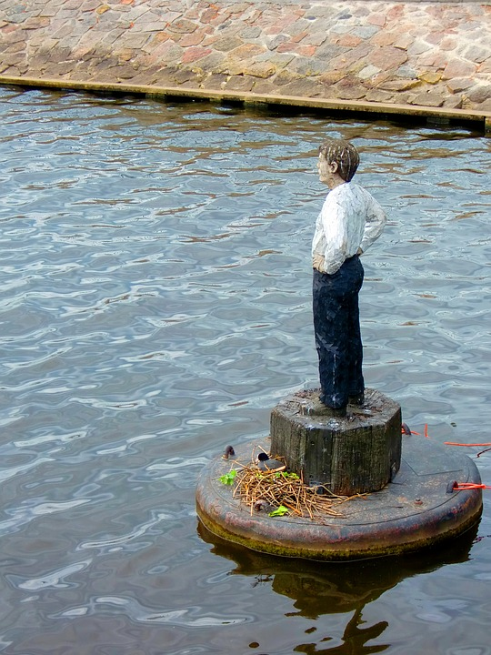 Fig, Sculpture, Wood Sculpture, Statue, Water, Hamburg
