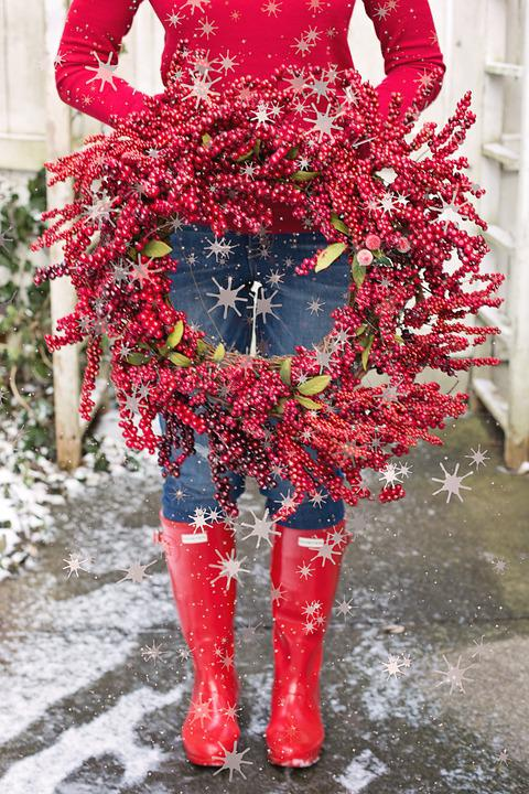 Red Boots, Christmas, Wreath, Woman Holding, Red, Boots