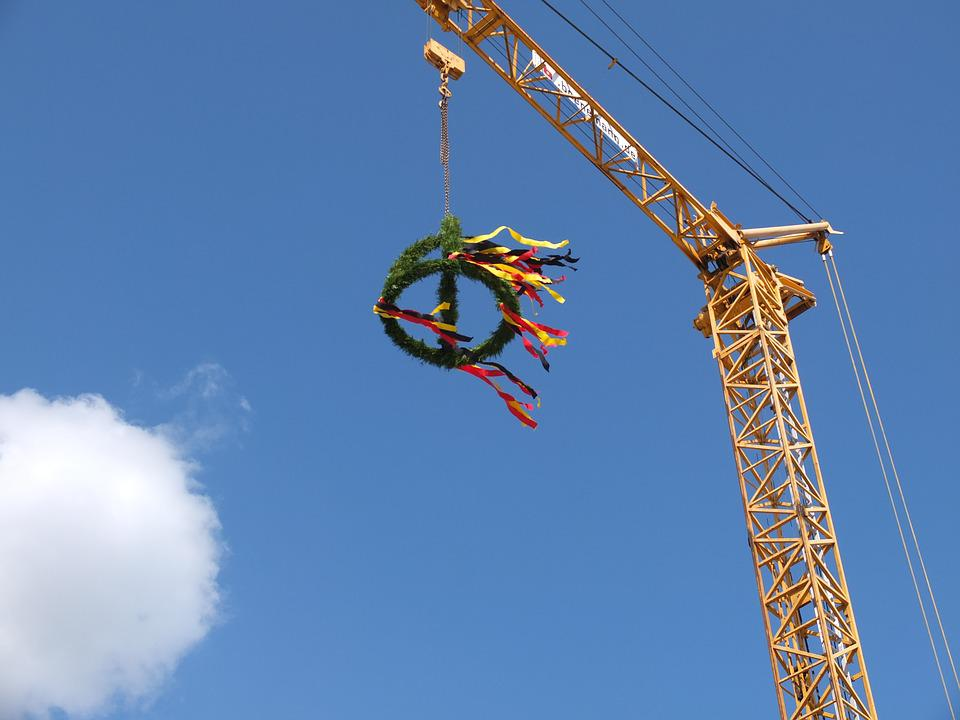 Customary, Topping Out Ceremony, Build, Wreath