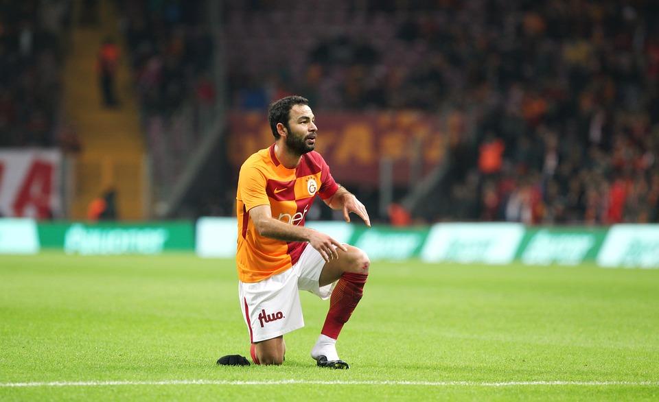 Selcuk Inan, Galatasaray, Turk Telekom, Yellow Red