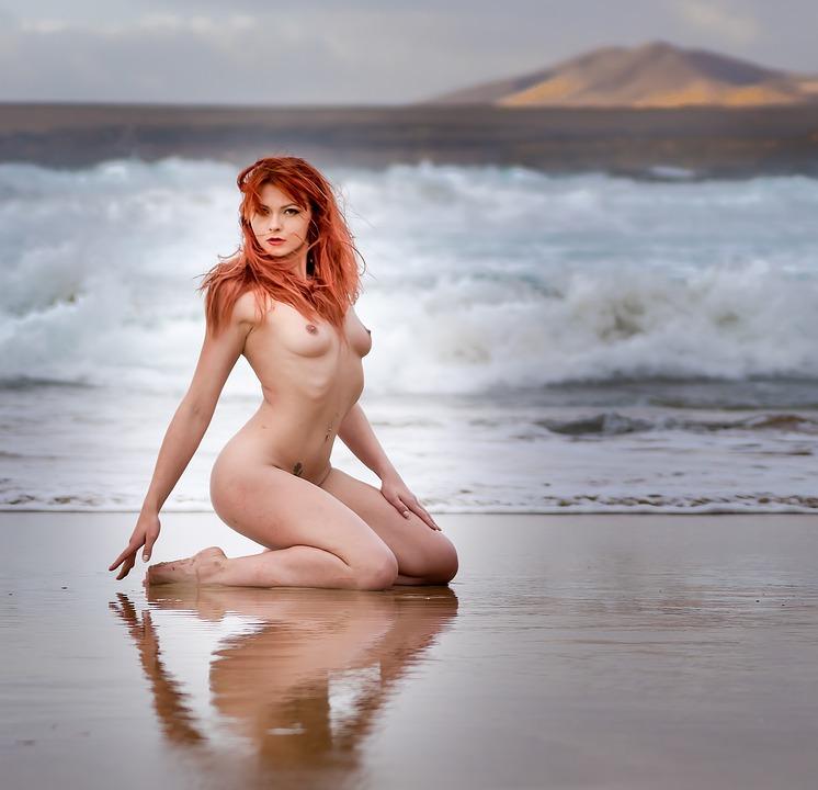 Sexy girls nude boobs