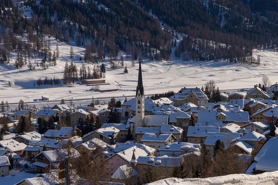 Zuoz, Village, Bergdorf, Winter, Engadin, Oberengadin
