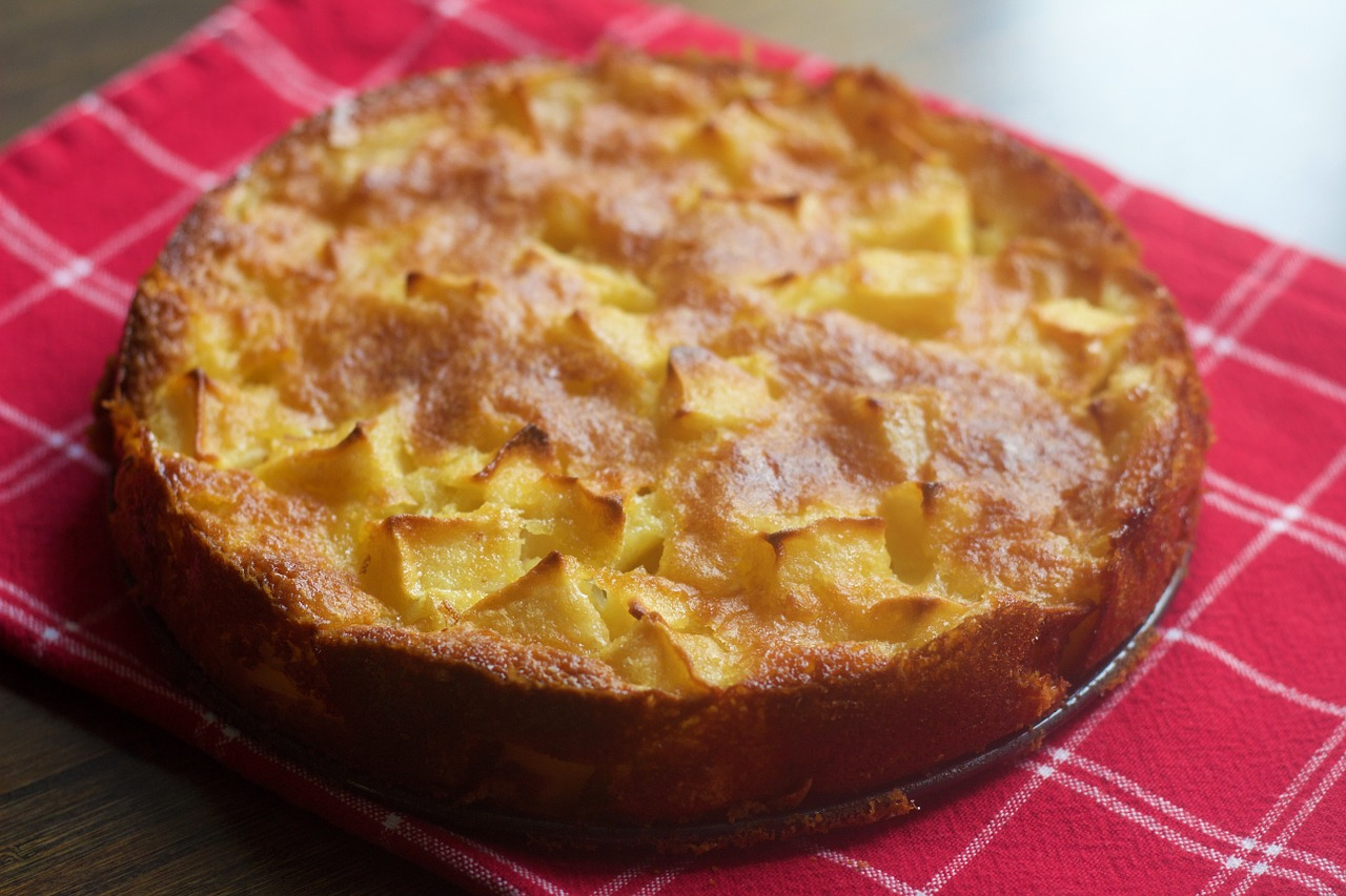 Рецепт пирог яблучний бзе яичкам
