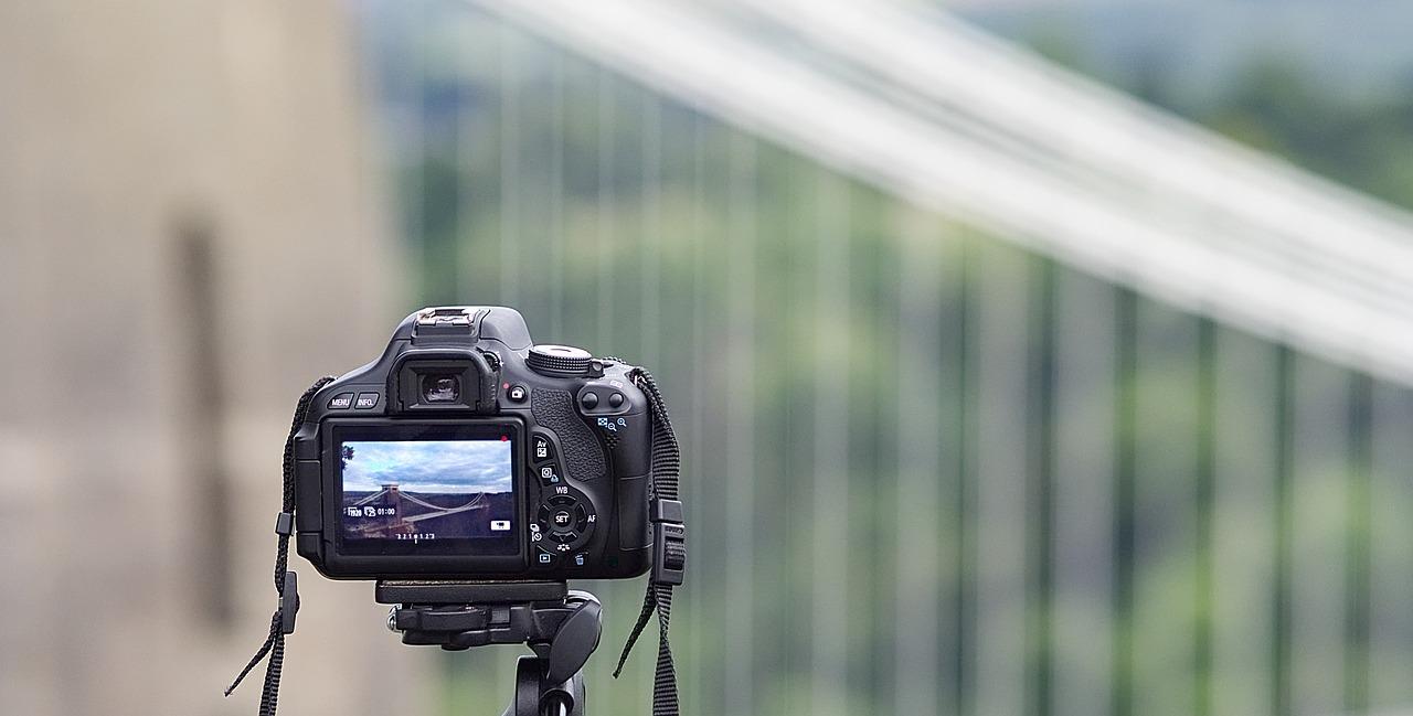 Confronta fotocamere digitali bridge 20