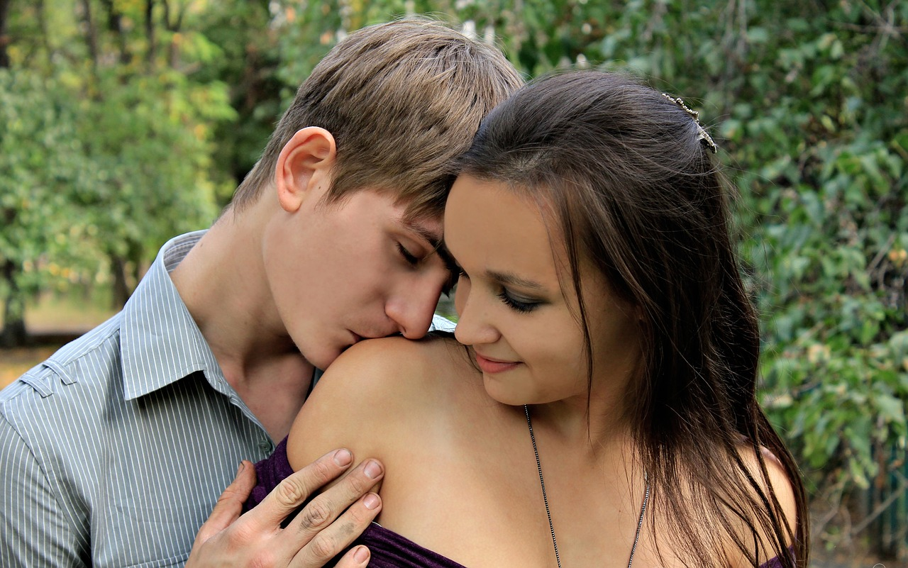 Lesbo teen hot girl kiss boy