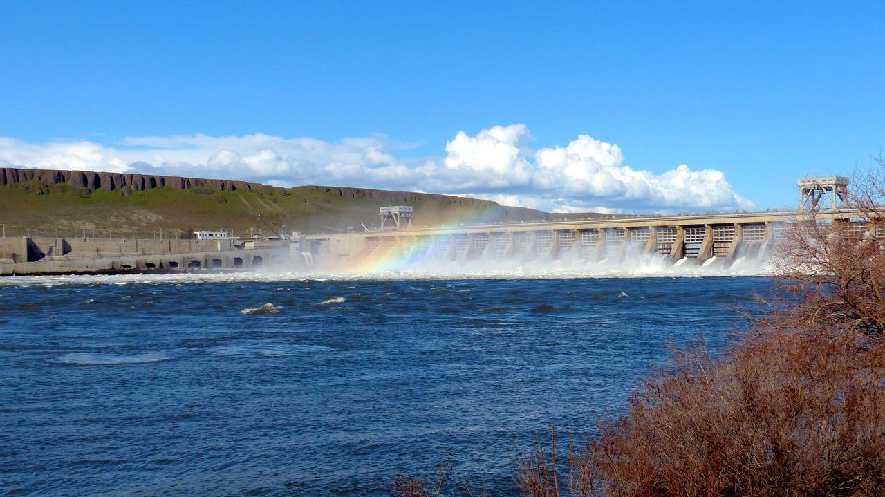 hydroelectric power A list over the pros and cons of hydroelectric energy (hydroelectricity) is hydroelectricity green what happens when we intervine with natural water flow.