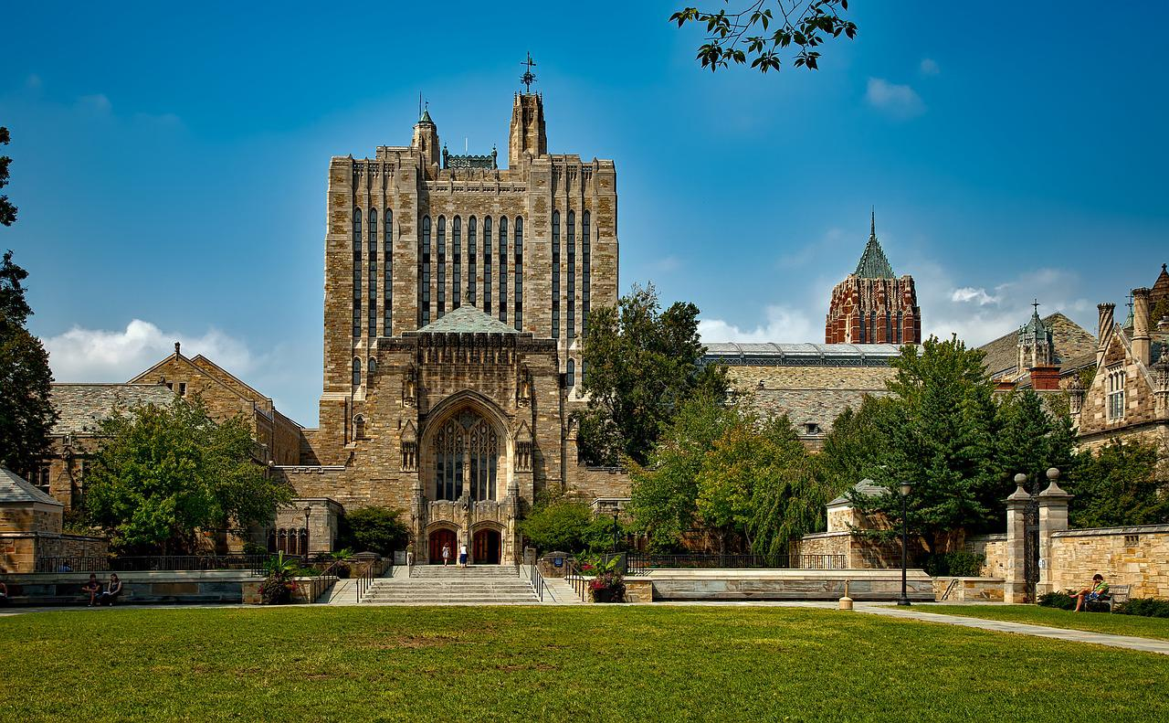 yale university graduate school admission Applications for graduate admission are done through the yale graduate school (not through individual professors), and the application and standardized test scores.