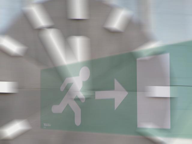 Escape Route, Clock, Escape, Running Away, 5 Vor 12