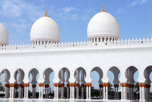 Abu Dhabi, Sheikh Zayed Mosque, Architecture, Colonnade