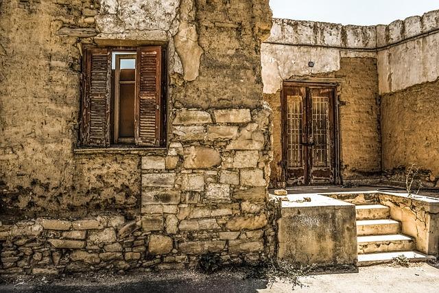 House, Old, Abandoned, Damaged, Aged, Weathered, Wreck