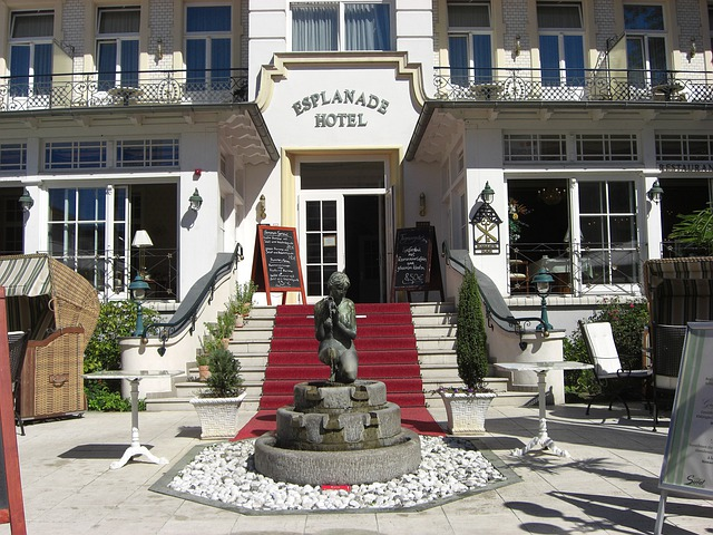 Ahlbeck, Germany, Hotel, Building, Architecture, Statue