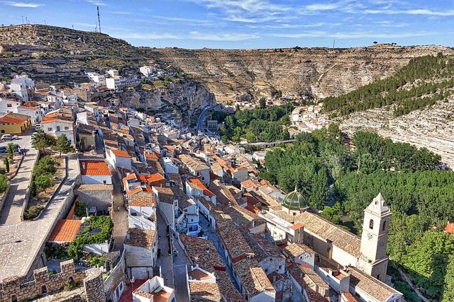 Alcala Del Jucar, Hillside, Village, Valley, Mountain