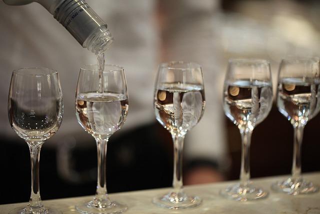 Glass, Alcohol, Drink, Bar, Restaurant