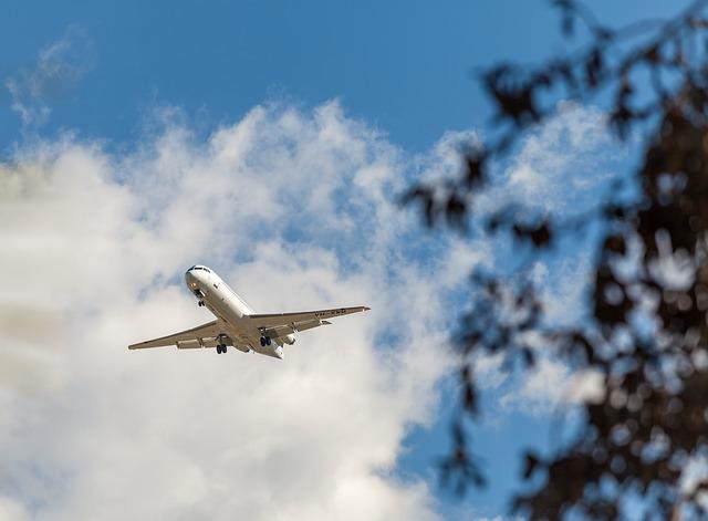 Plane, Fokker F-28-0100, C N 11276, Alliance Airlines