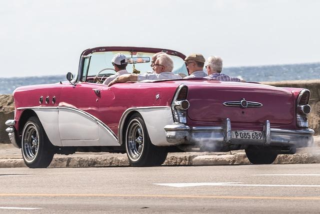 Cuba, Havana, Malecòn, Almendrón, Taxi, Buick, Classic