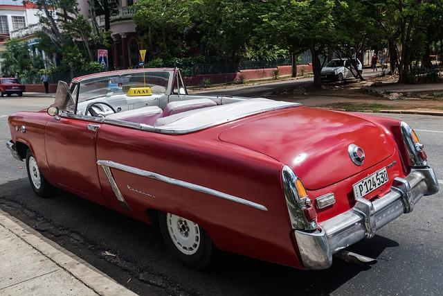 Cuba, Havana, Vedado, John Lennon Park, Almendron