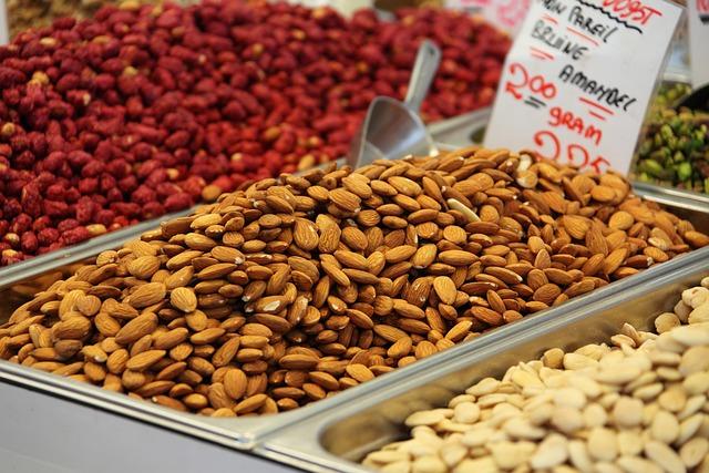 Almonds, Nuts, Market, Farmer's Market, Food, Healthy
