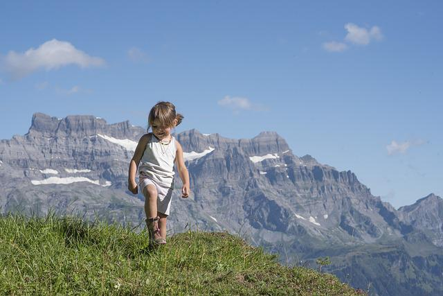Alp, Canton Of Glarus, Mountains, Glarus, Girl