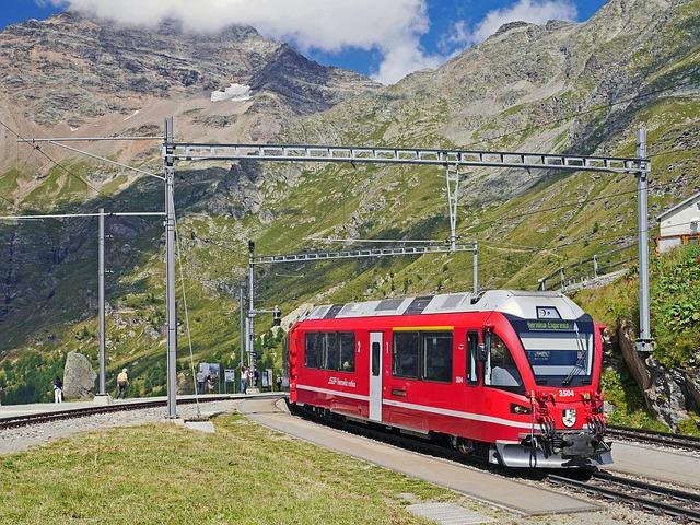 Bernina-express, Alp Grüm, Stay, Platform, Curve