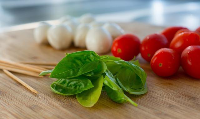 Antipasta, Caprese, Mozarella, Tomato, Basil, Kitchen