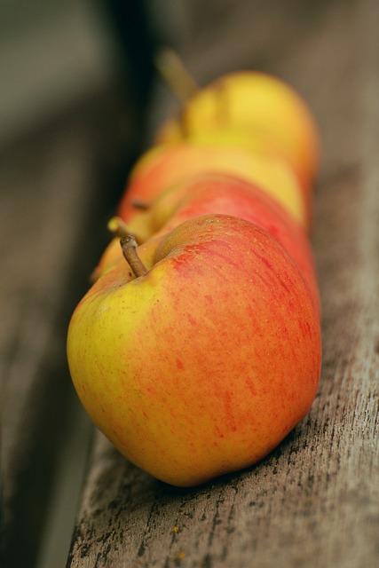 Apple, Goldparmäne, Fruit, Windfall, Garden, Series