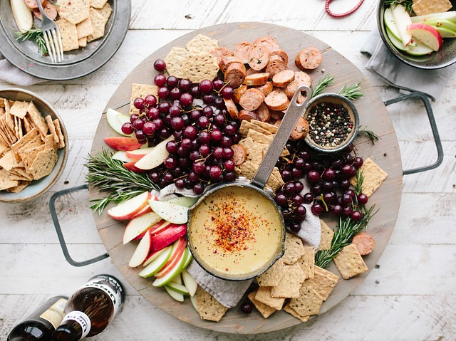 Food, Fruits, Grapes, Apple, Slices, Garlic, Bread