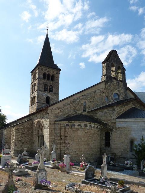 Arties, Romanesque, Church, Cemetery, Val D'aran, Apse