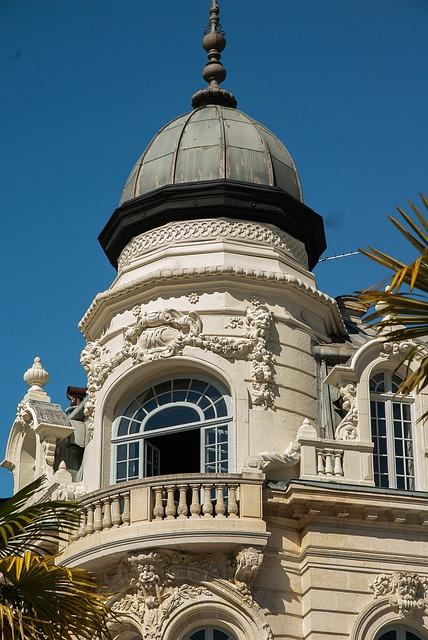 Pau, Béarn, Architecture, Dome, Balcony