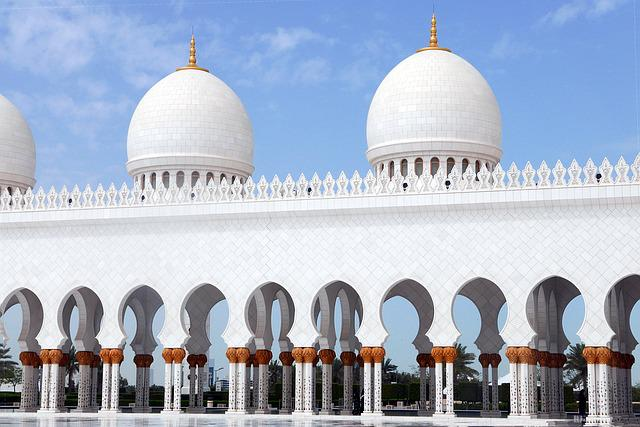 Abu Dhabi, Sheikh Zayed Mosque, Architecture, Colonnade