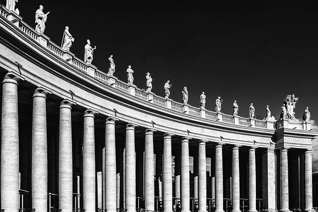 St Peter's Square, Columns, Pillars, Architecture