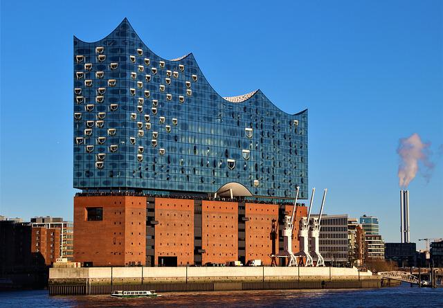 Elbe Philharmonic Hall, Hamburg, Architecture, City