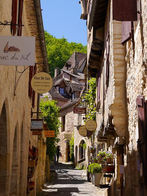 Saint Cirq Lapopie, Lovely Street, France, Architecture
