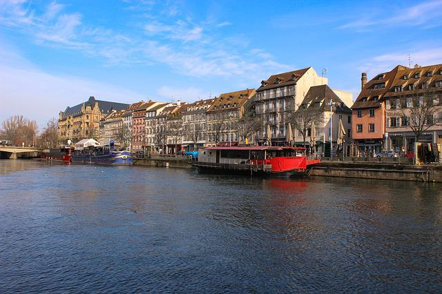 Body Of Water, Travel, City, Architecture, River, House
