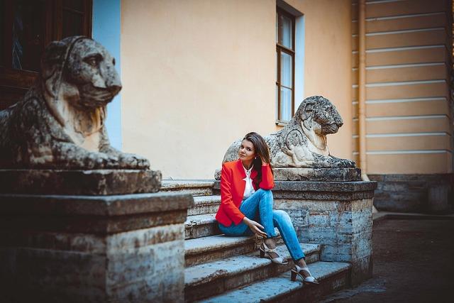 People, Sculpture, Statue, Old, Sit, Art, Travel