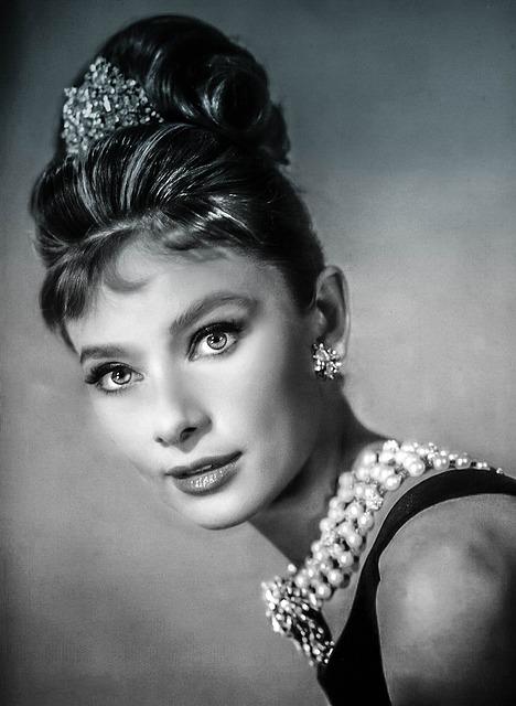 Audrey Hepburn, 60's Icon, Female Face