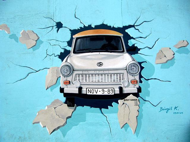 Graffiti, Berlin Wall, Wall, Trabi, Auto, Breakthrough