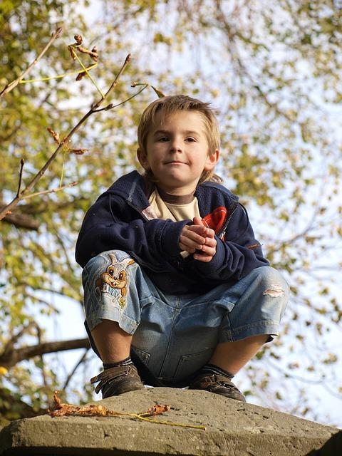 Autumn, Child, Squat