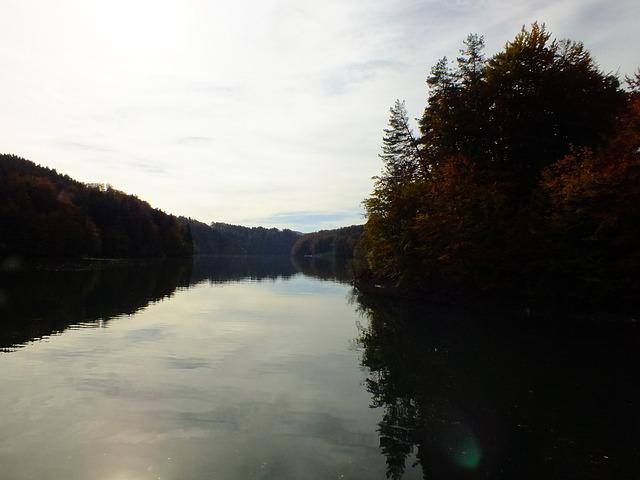 Lake Of Gruyère, Lac De La Gruyère, Mirroring, Autumn