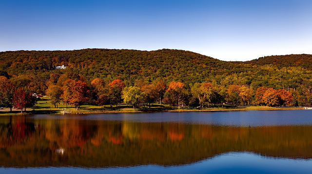 Squantz Pond, Lake, Water, Reflections, Autumn, Fall