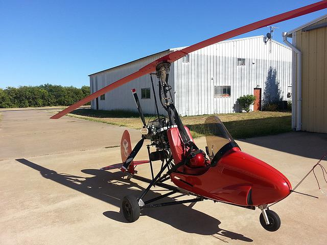 Free photo Lightweight Aircraft Leisure Aviator Gyrocopter ...