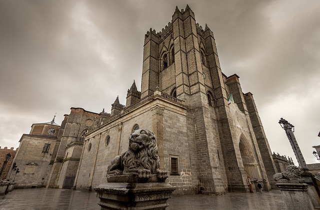 Cathedral, Avila, Sculpture, Church, Plaza