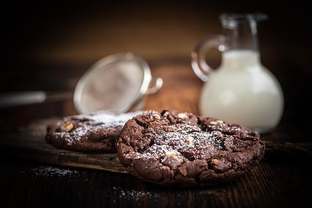 Cookies, Baked Goods, Fresh, Chocolate, Sweet, Calories
