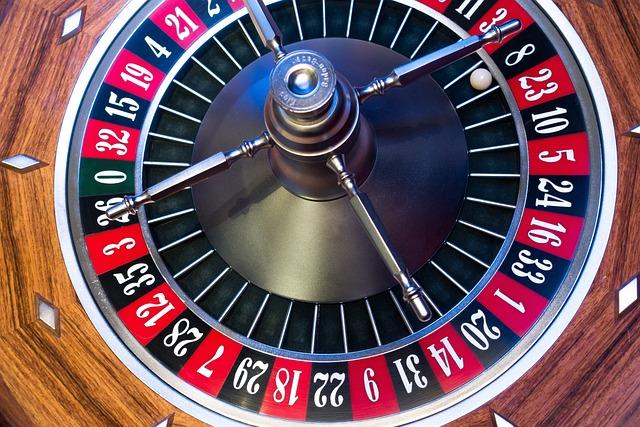 Roulette, Roulette Wheel, Ball, Turn, Movement