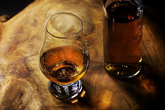 Drink, Glass, Alcohol, Bar, Whisky, Bottle, Brandy