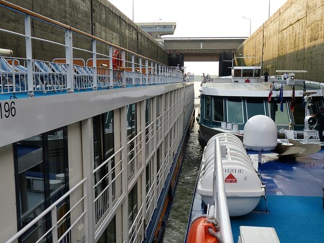 Danube, Lock, River, Shipping, Barrage, Ship