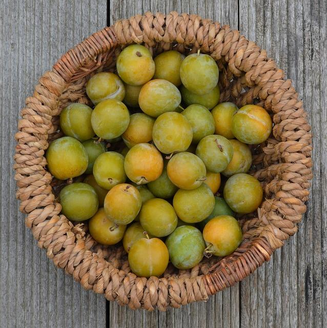 Plums, Basket, Fruit, Reine Claude